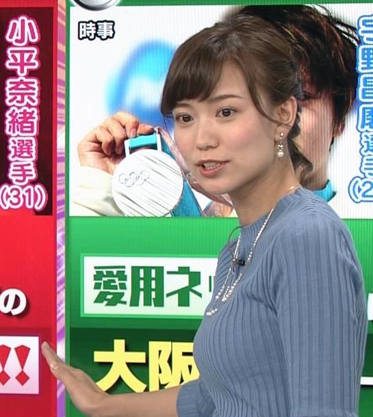 斎藤真美アナ ニット巨乳キャプ画像16
