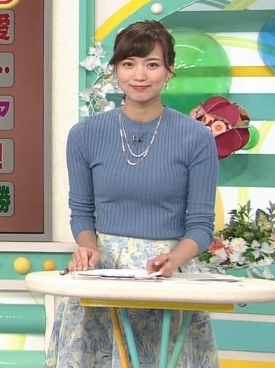斎藤真美アナ ニット巨乳キャプ画像6