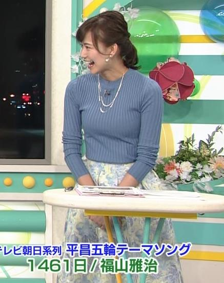 斎藤真美アナ ニット巨乳キャプ画像7