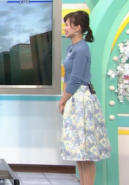 斎藤真美アナ ニット巨乳キャプ画像9