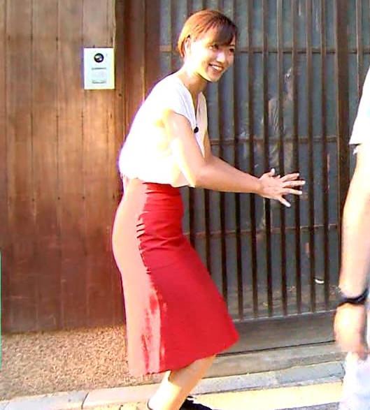 斎藤真美アナ タイトスカートでエロいお尻がクッキリキャプ・エロ画像7