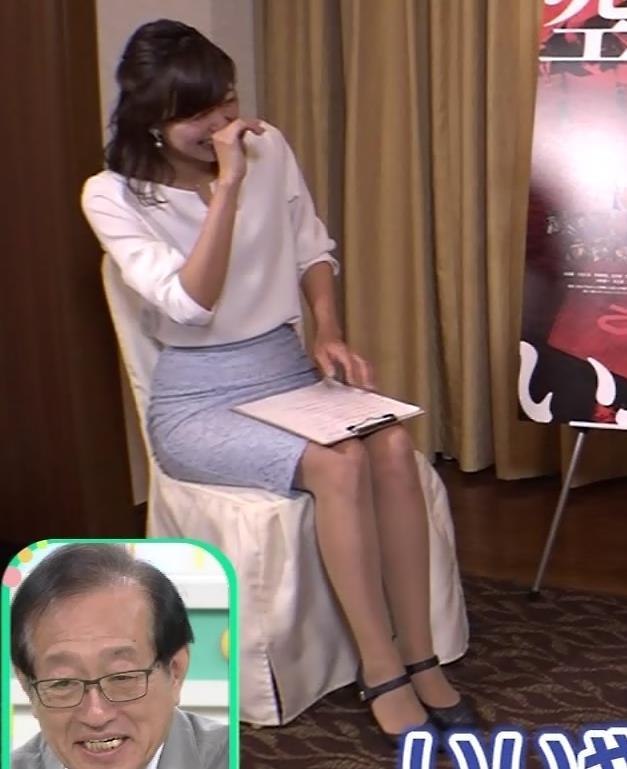 斎藤真美アナ タイトスカートで座っているのがエロいキャプ・エロ画像9