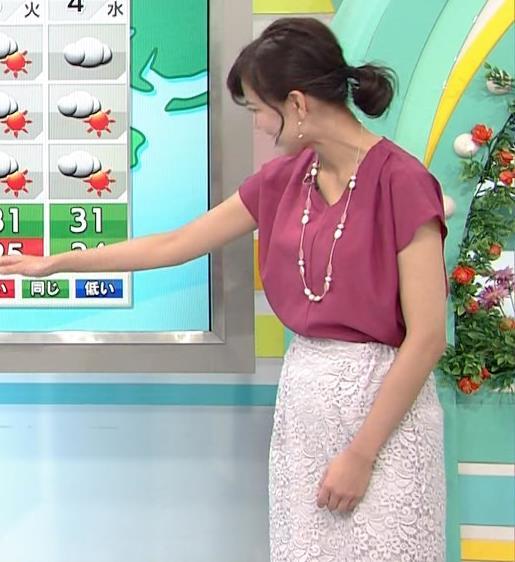 斎藤真美アナ 花柄のスカートキャプ・エロ画像3