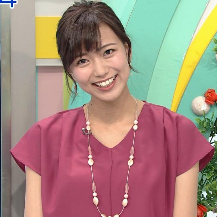 斎藤真美アナ 花柄のスカートキャプ・エロ画像4