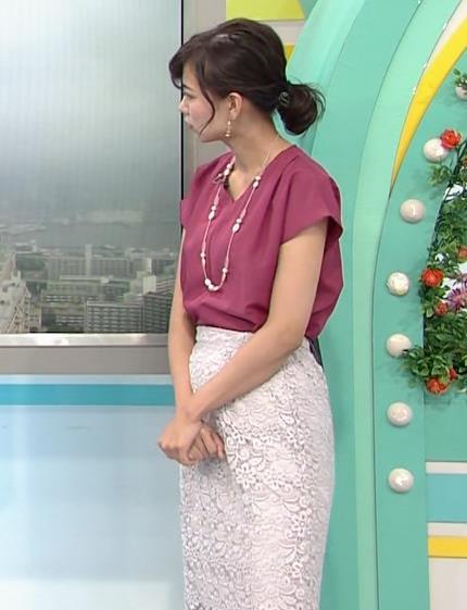 斎藤真美アナ 花柄のスカートキャプ・エロ画像7