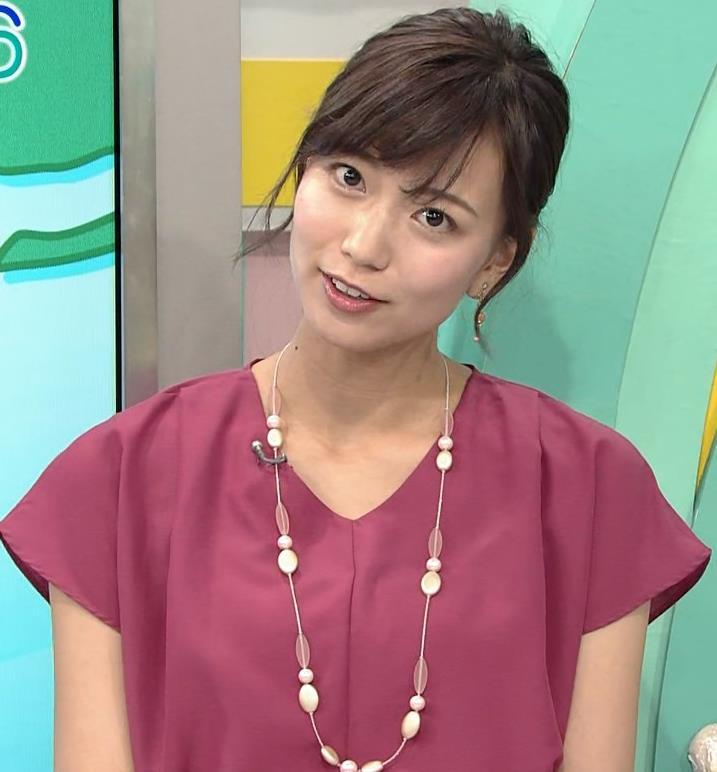 斎藤真美アナ 花柄のスカートキャプ・エロ画像8