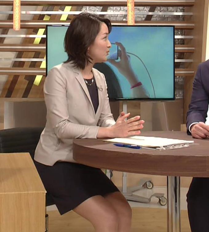 酒井美帆アナ NHKにしてはかなり攻めたエロアングルキャプ・エロ画像3