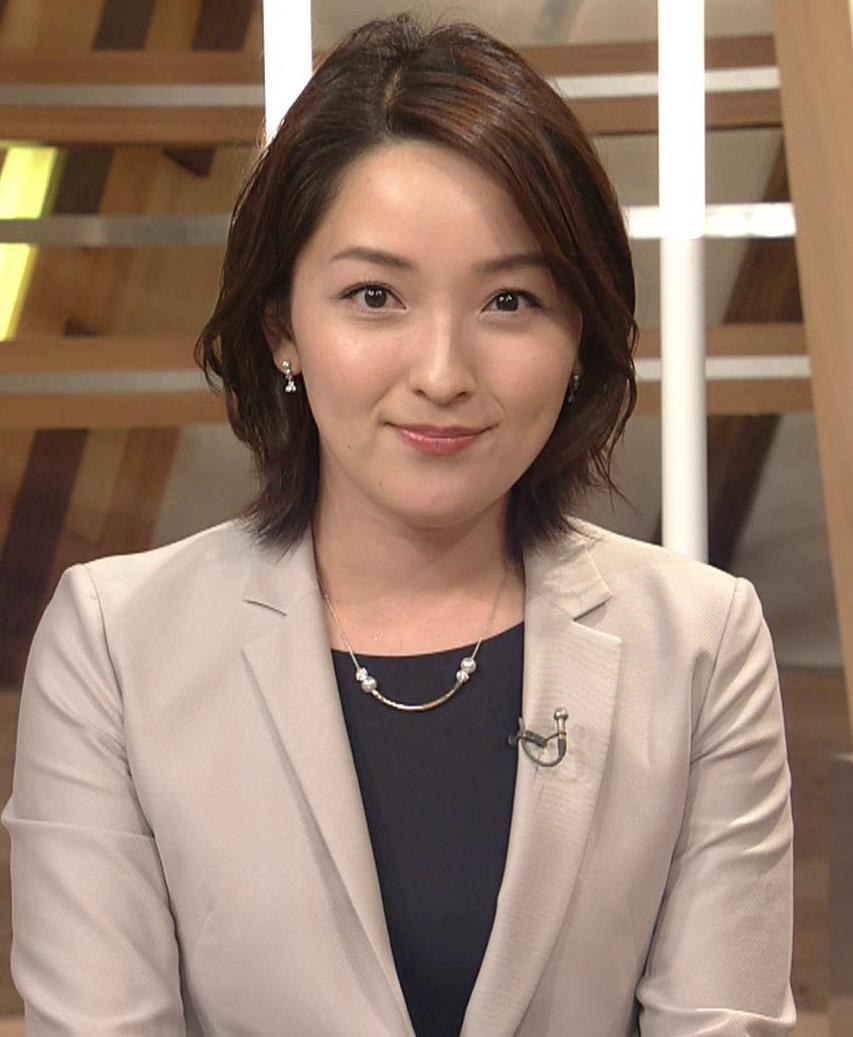 酒井美帆アナ NHKにしてはかなり攻めたエロアングルキャプ・エロ画像4
