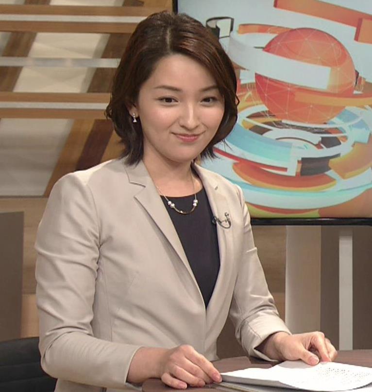 酒井美帆アナ NHKにしてはかなり攻めたエロアングルキャプ・エロ画像5