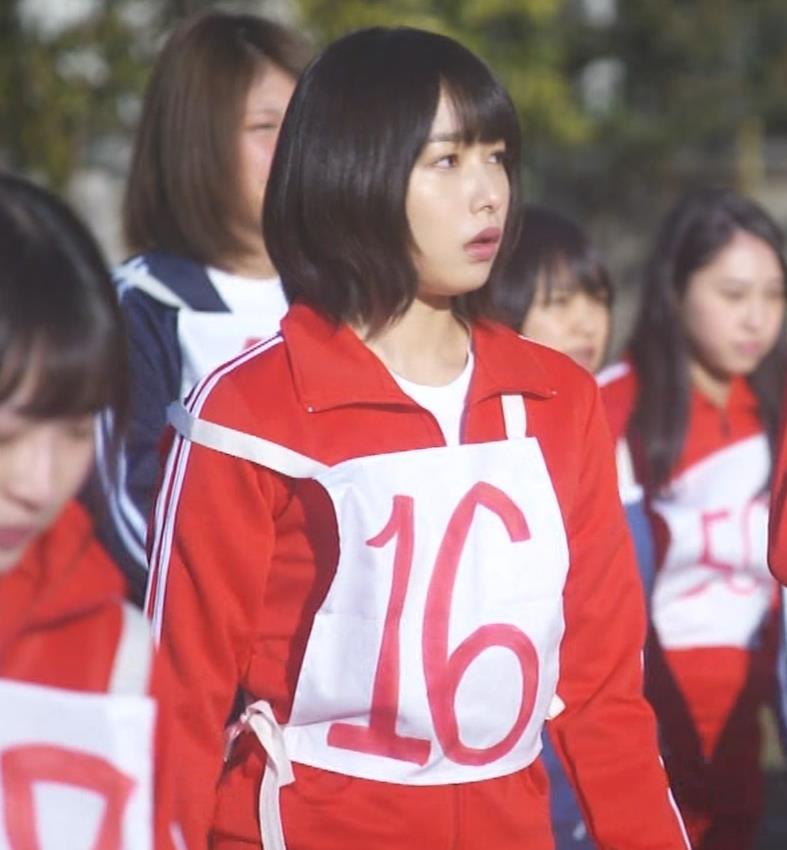 桜井日奈子 (女子高生役)体操服で脚露出キャプ・エロ画像8