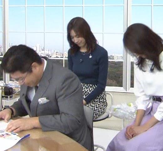 笹川友里アナ いつもタイトめなニット着てる気がするキャプ・エロ画像9