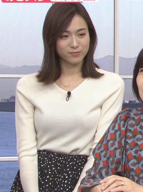 笹川友里アナ ニットも表情もエロい人妻アナキャプ・エロ画像
