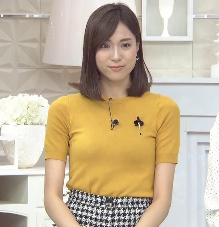 笹川友里アナ エッチな胸のふくらみキャプ・エロ画像2