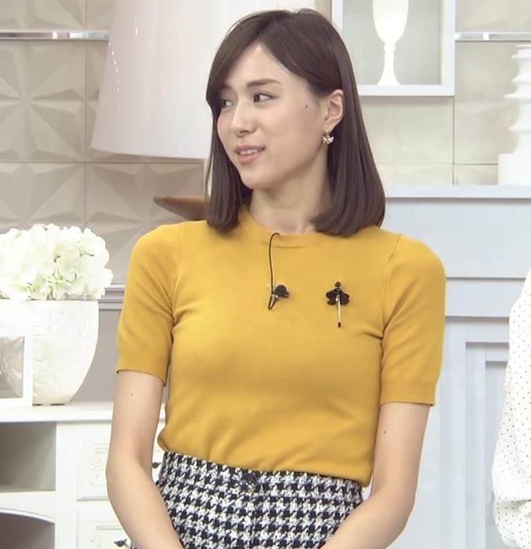 笹川友里アナ エッチな胸のふくらみキャプ・エロ画像3