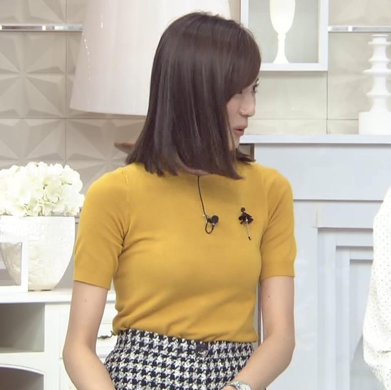 笹川友里アナ エッチな胸のふくらみキャプ・エロ画像6