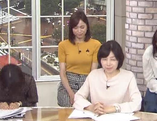 笹川友里アナ エッチな胸のふくらみキャプ・エロ画像9