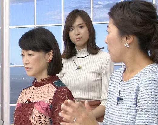 笹川友里アナ 縦縞でおっぱいらのラインがエロいキャプ・エロ画像2