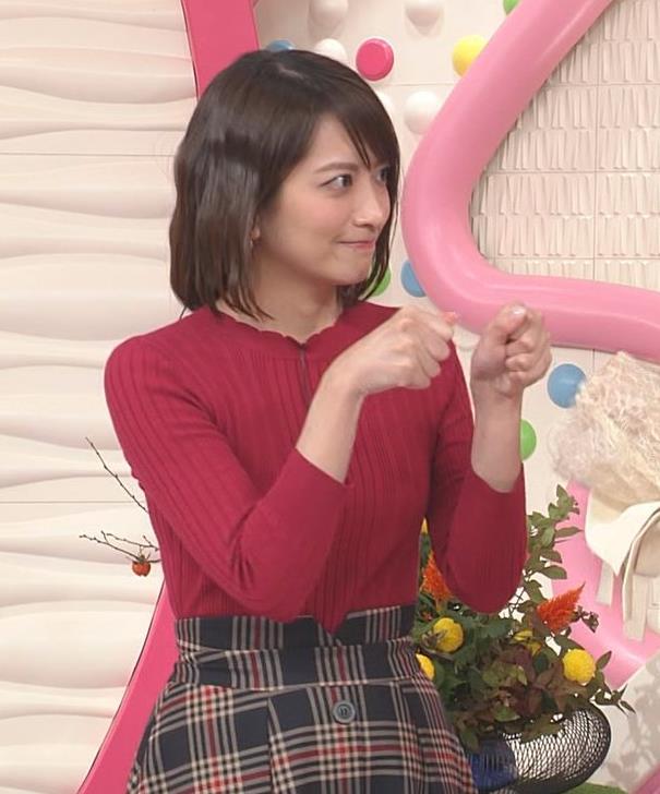 笹崎里菜アナ ワインレッドのぴったりニットキャプ・エロ画像2