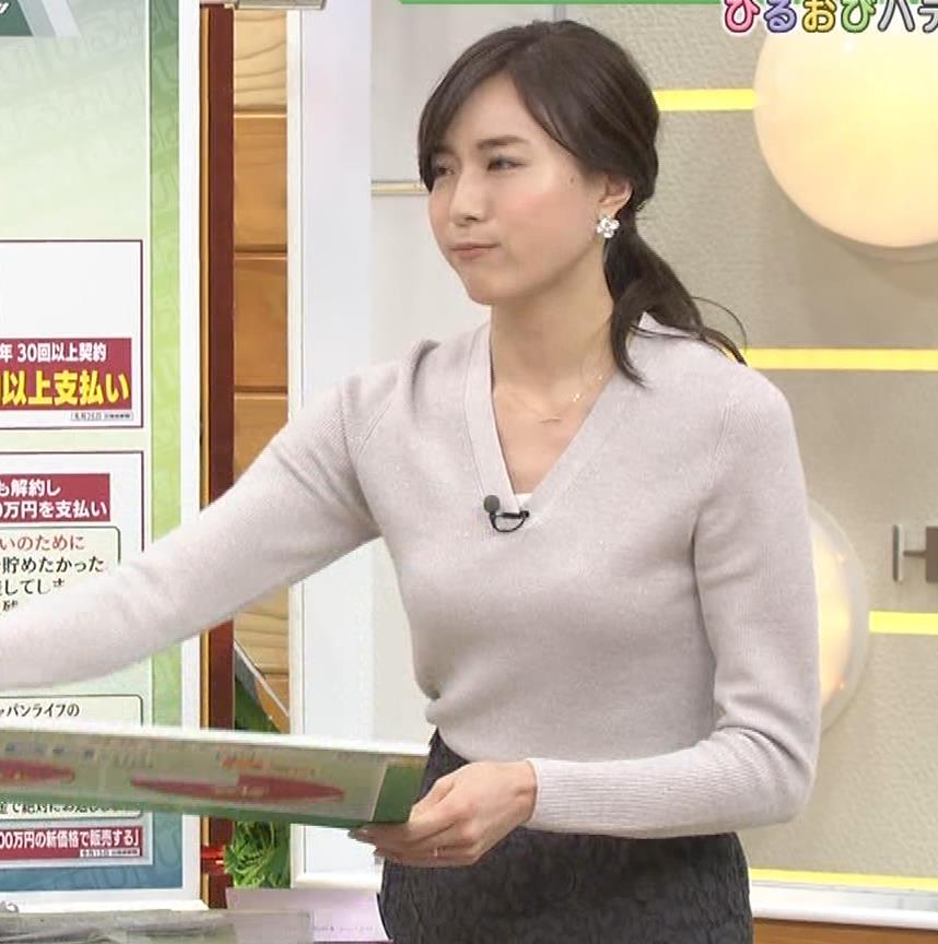 笹川友里アナ 細身なのに巨乳というエロいカラダキャプ・エロ画像13