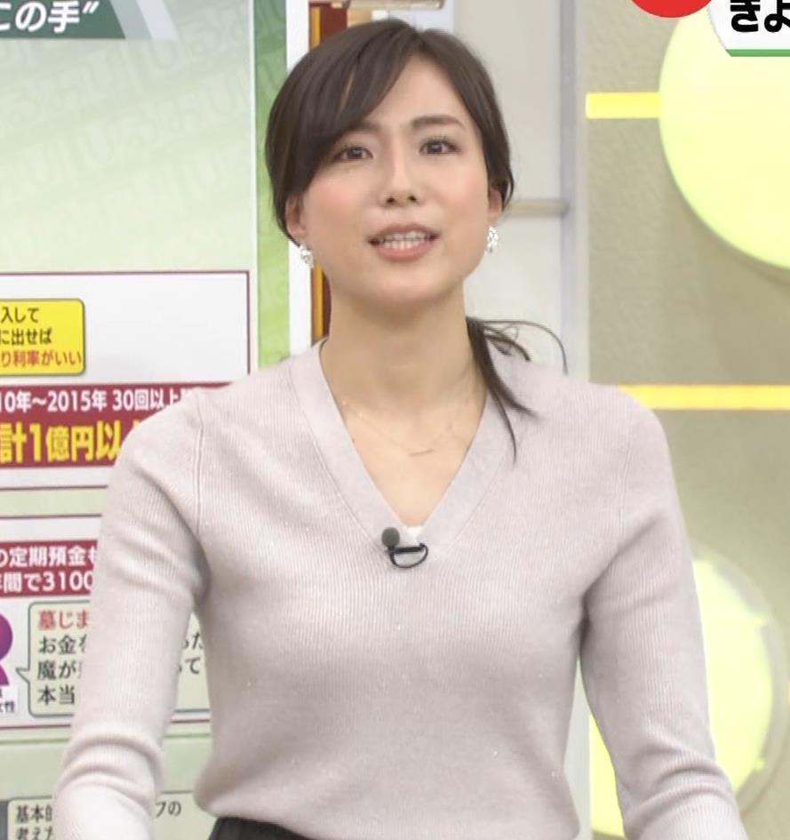 笹川友里アナ 細身なのに巨乳というエロいカラダキャプ・エロ画像17