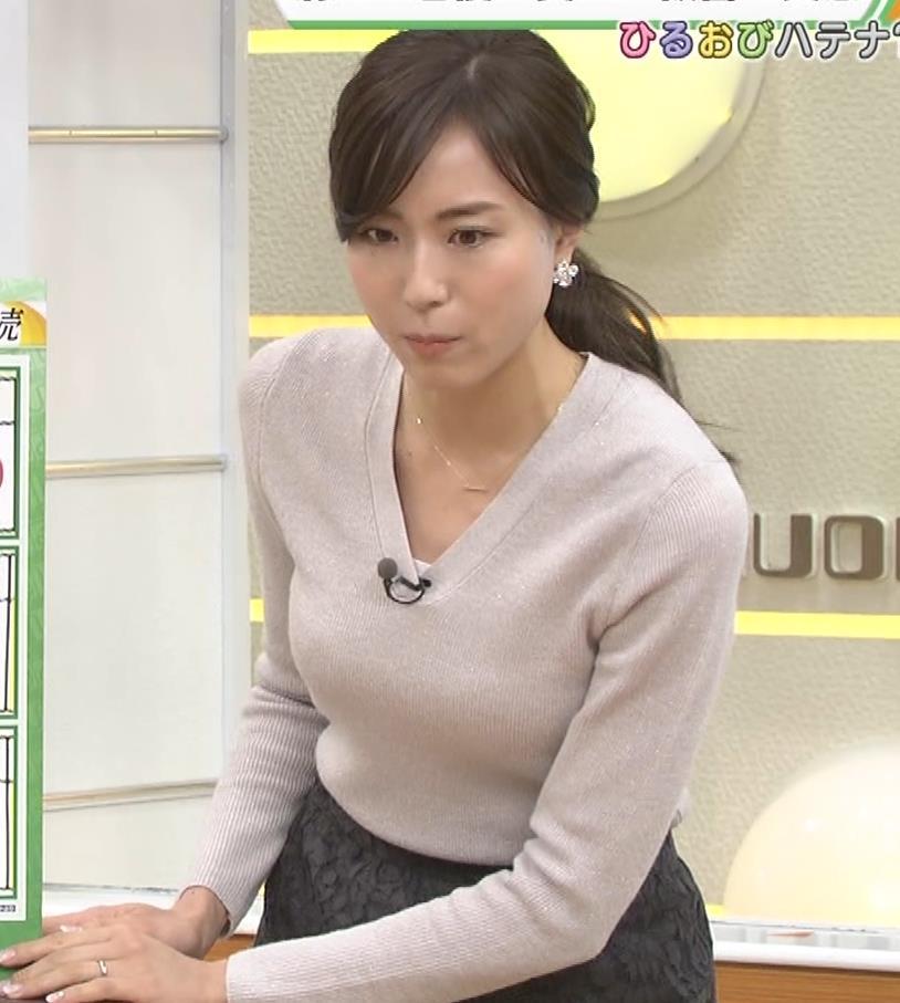 笹川友里アナ 細身なのに巨乳というエロいカラダキャプ・エロ画像3