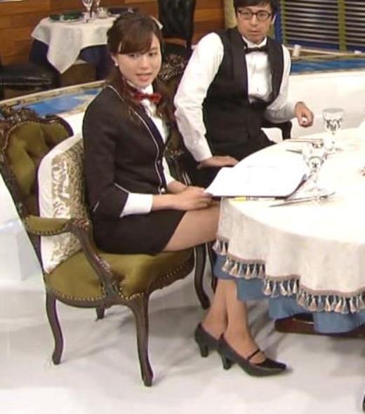 笹川友里 短すぎるスカートで座って太もも第露出キャプ画像(エロ・アイコラ画像)