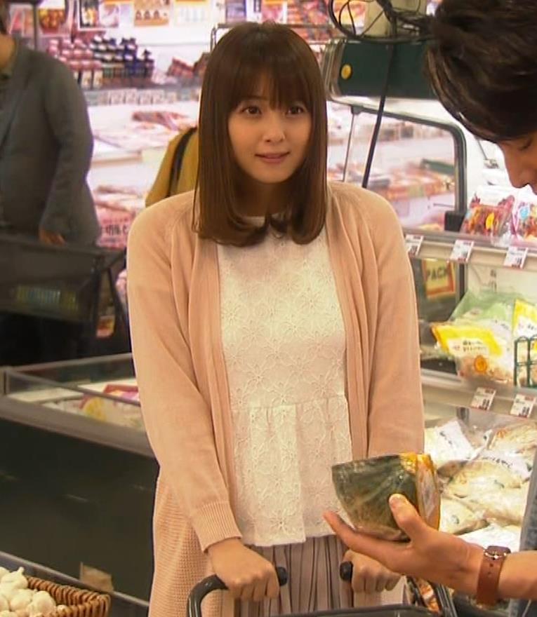 佐々木希 胸のふくらみキャプ・エロ画像9