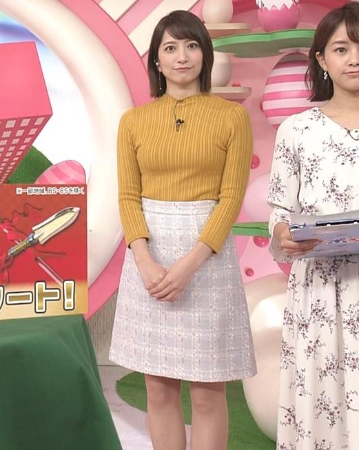 笹崎里菜アナ ピチピチの服のおっぱいキャプ・エロ画像12