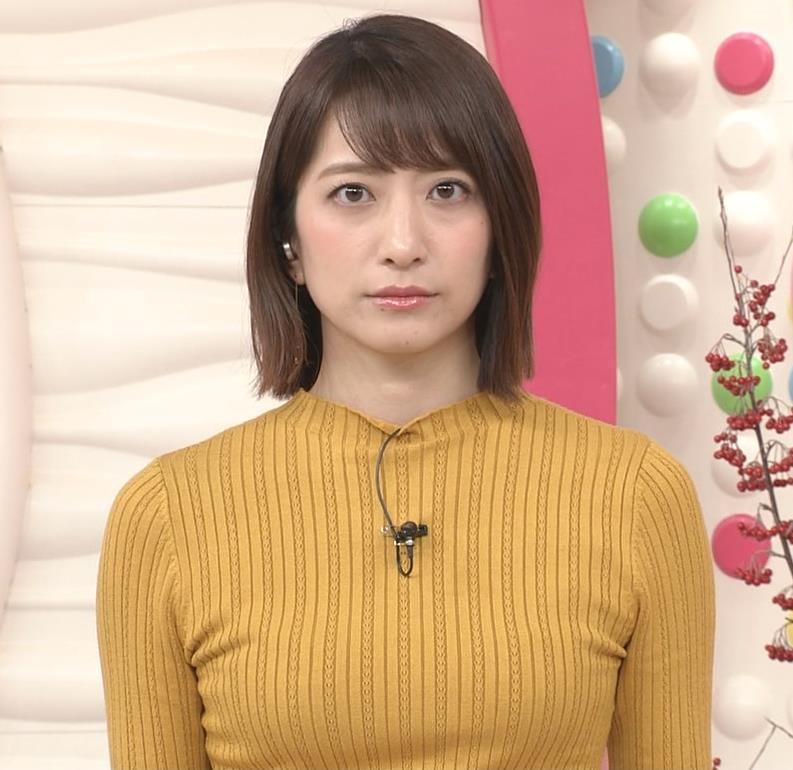 笹崎里菜アナ ピチピチの服のおっぱいキャプ・エロ画像9