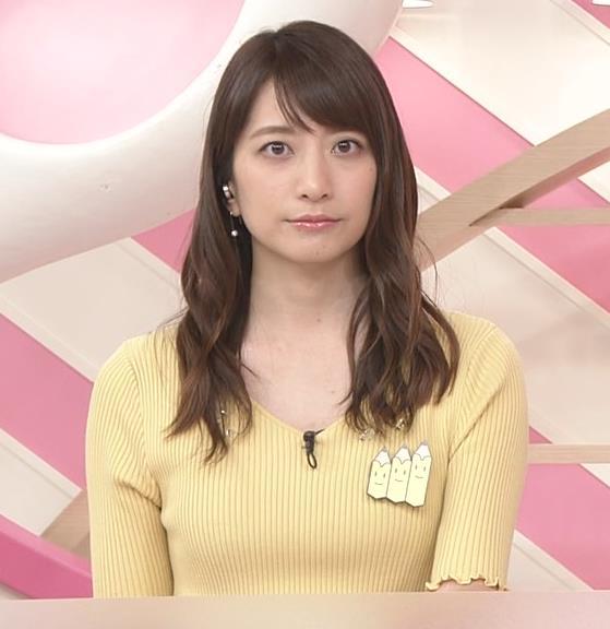 笹崎里菜アナ 黄色いニットの乳キャプ・エロ画像2