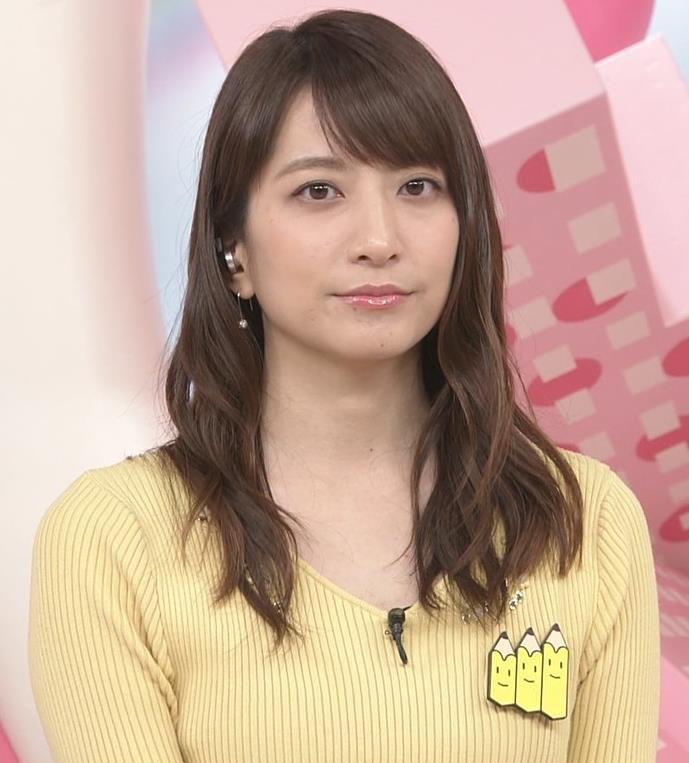 笹崎里菜アナ 黄色いニットの乳キャプ・エロ画像6