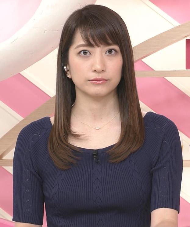 アナ ニットおっぱい&ミニスカ美脚キャプ・エロ画像4