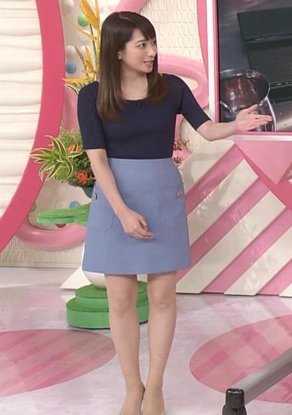 アナ ニットおっぱい&ミニスカ美脚キャプ・エロ画像10