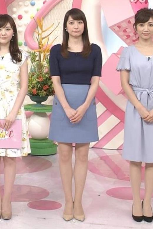 笹崎里菜 ニットおっぱい&ミニスカ美脚キャプ画像(エロ・アイコラ画像)