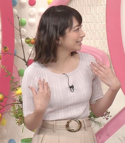 笹崎里菜アナ 安定のニット乳キャプ・エロ画像