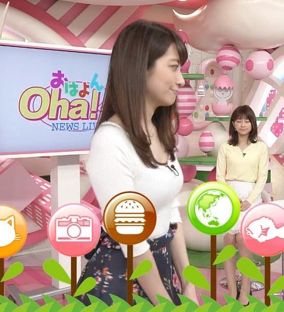笹崎里菜アナ 安定してエロいニットおっぱい♡キャプ・エロ画像8