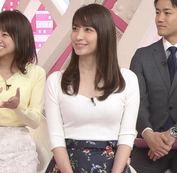 笹崎里菜アナ 安定してエロいニットおっぱい♡キャプ・エロ画像10