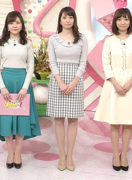 笹崎里菜アナ ニット乳&ミニスカ美脚キャプ・エロ画像2