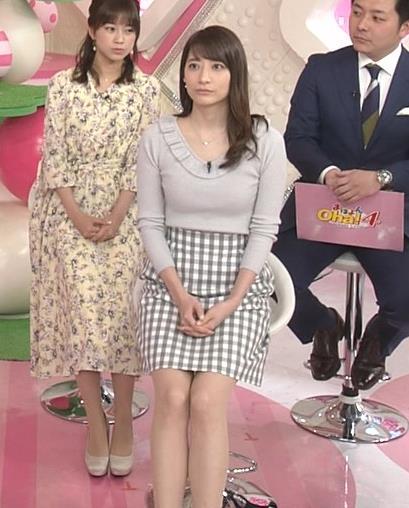 笹崎里菜アナ ニット乳&ミニスカ美脚キャプ・エロ画像10