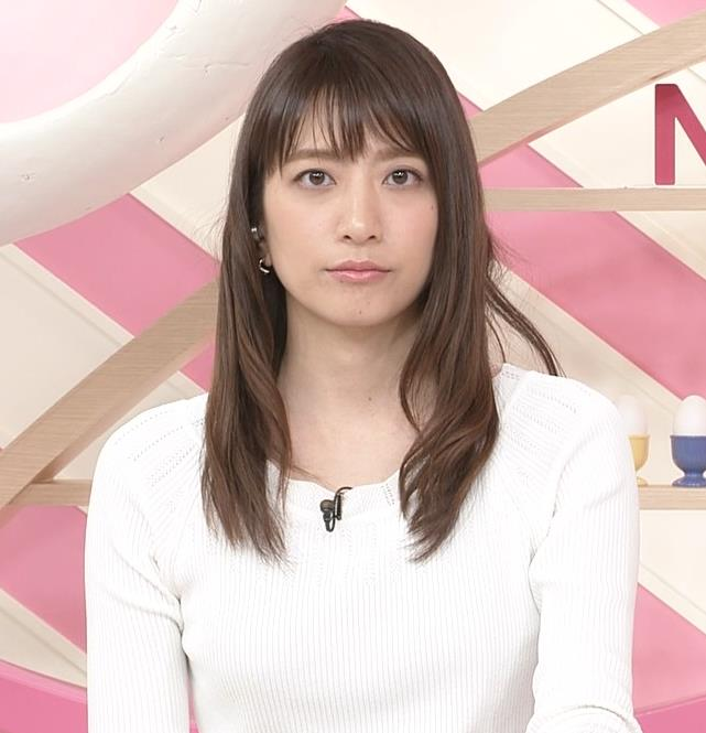 笹崎里菜アナ 白いニットキャプ・エロ画像2