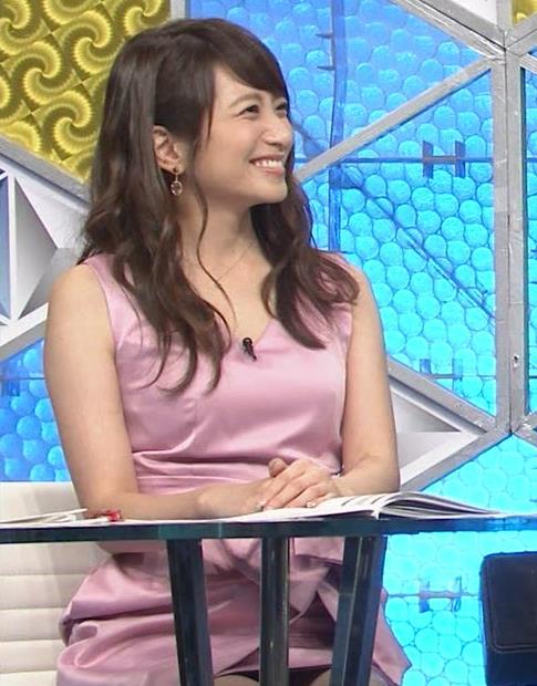 笹崎里菜アナ パンチラキャプ・エロ画像5