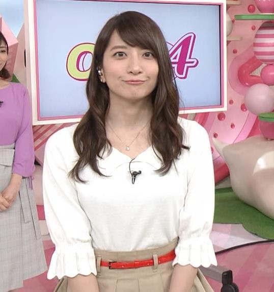 笹崎里菜アナ 白い美脚キャプ・エロ画像5