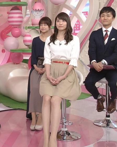 笹崎里菜アナ 白い美脚キャプ・エロ画像7