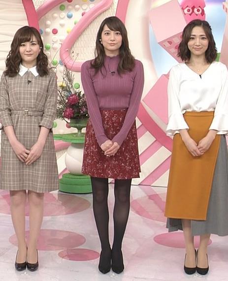 笹崎里菜アナ 乳がデカくなってる!?ニットおっぱいキャプ・エロ画像2