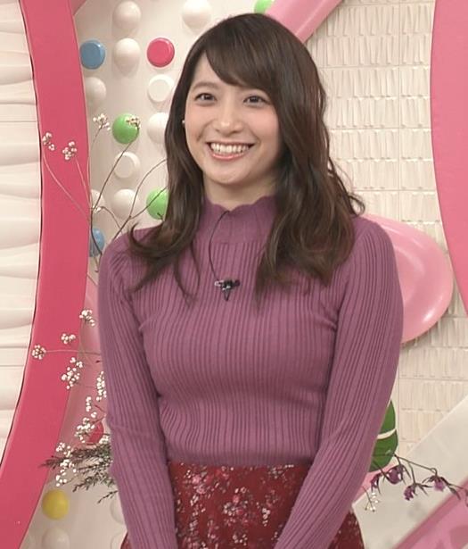 笹崎里菜アナ 乳がデカくなってる!?ニットおっぱいキャプ・エロ画像4