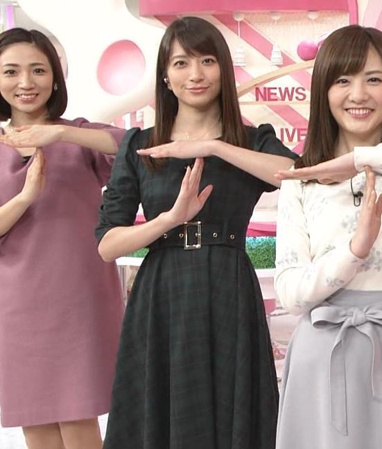 笹崎里菜アナ ミニスカワンピースキャプ・エロ画像