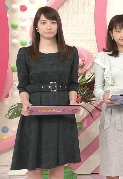 笹崎里菜アナ ミニスカワンピースキャプ・エロ画像6