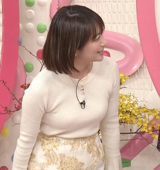 笹崎里菜アナ ピチピチのニットおっぱいキャプ・エロ画像2