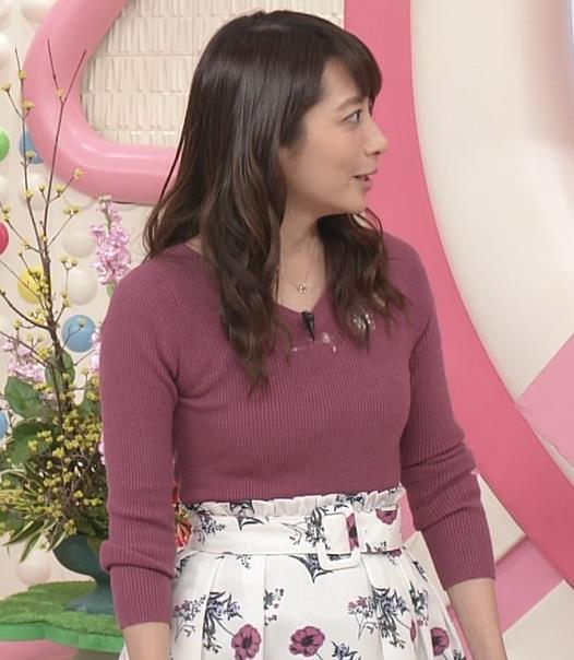笹崎里菜アナ ニットおっぱいがクッキリしてるキャプ・エロ画像2