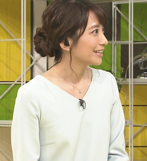 笹崎里菜アナ 乳のふくらみキャプ・エロ画像6